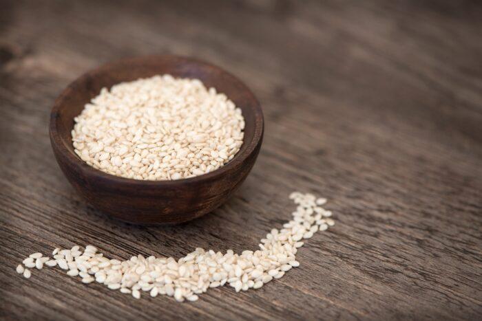A bowl of sesame seeds
