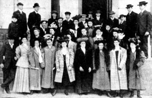 Photo of High school students visiting Purdue Agriculture in 1908.