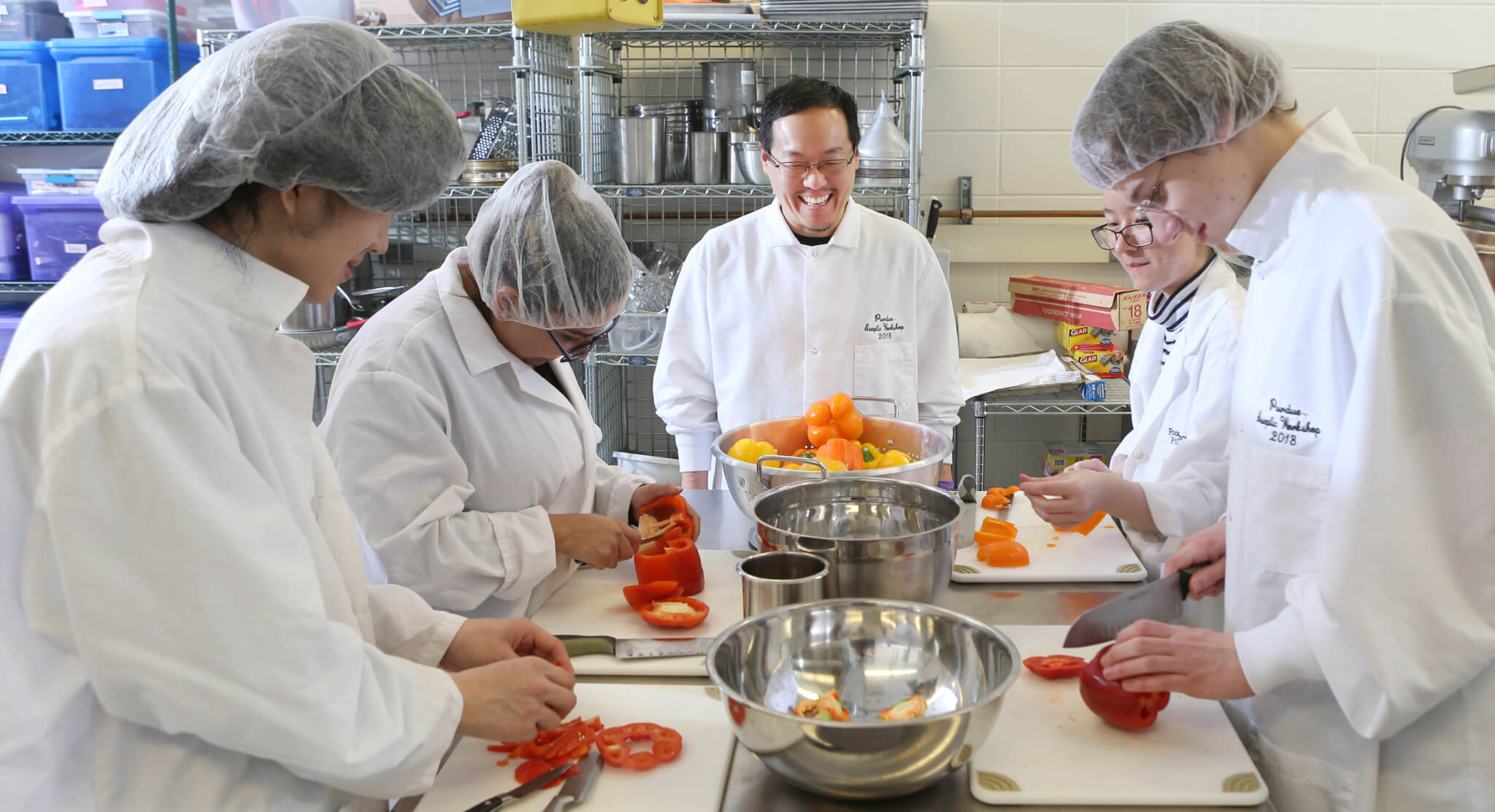 Joseph Yoon working with Food Science students during his visit to Purdue University. Photo credit: Tom Campbell.