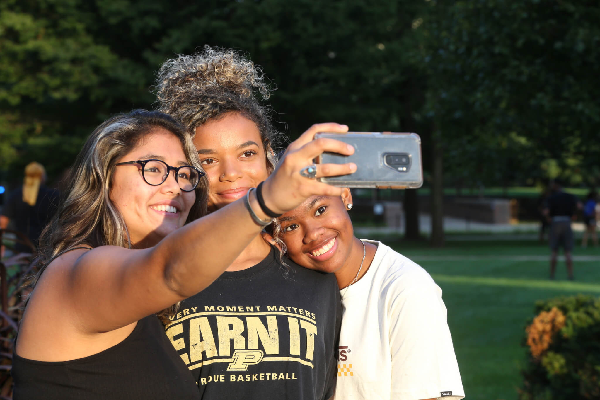 Nira with other students taking a selfie