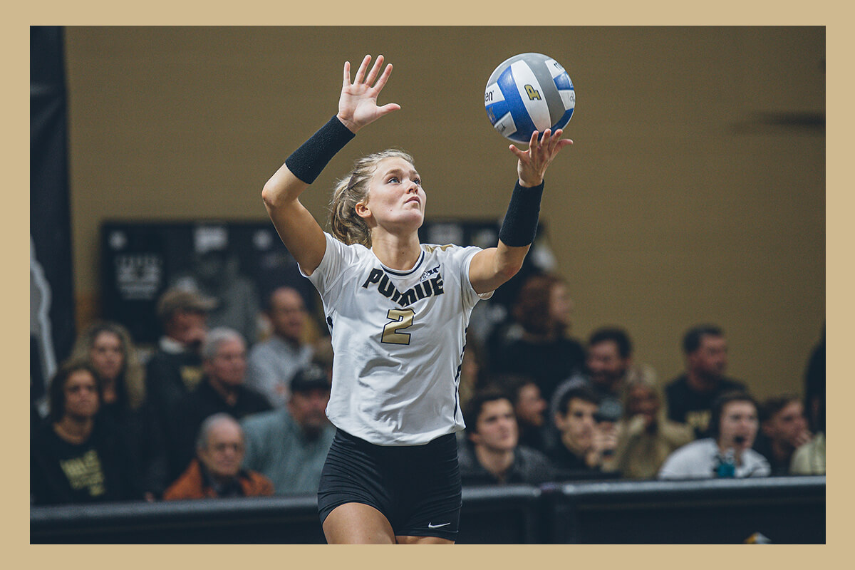 Hayley Bush playing volleyball