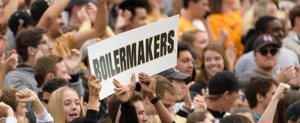 Boilermakers sign crowd