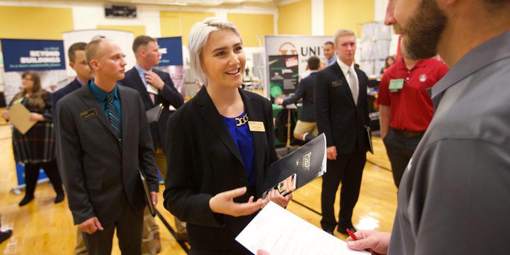 Purdue student speaks with recruiter